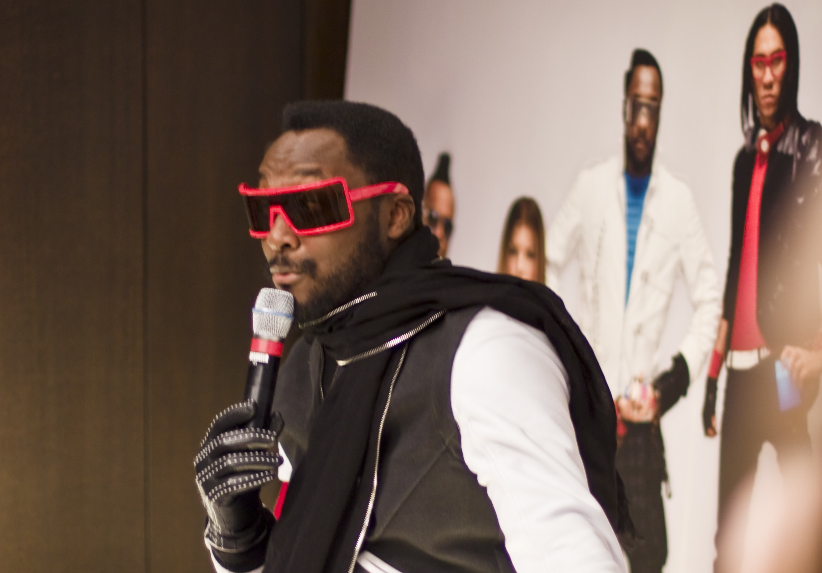 Will.I.Am – Conférence de presse à Paris